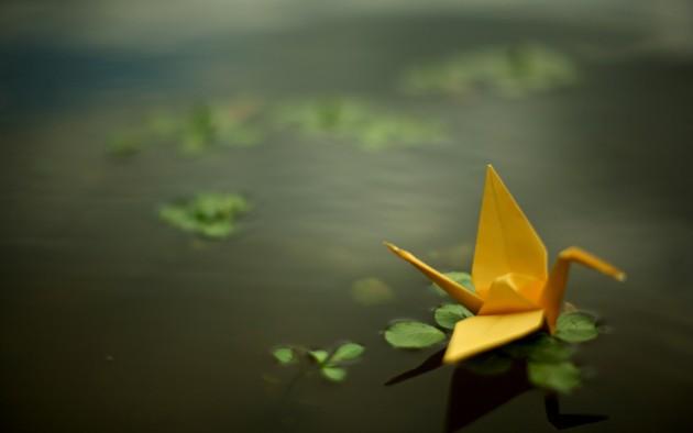 Fond écran origami sur eau