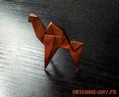 Origami dromadaire